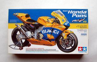 Honda Pons RC211V 03 1/12 14095 Motorcycle Kit Max Biaggi/Tohru Ukawa