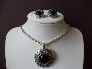 Black Stone Circle Disc Pendant Silver Tone Necklace Pierced Post