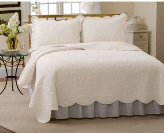 Bloomingdales French Tile Milk White Full Queen Quilt Coverlet Set