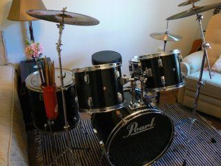 Pearl Drum Set Color Black w Chrome Rims