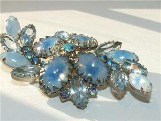 Juliana blue opalescent art glass & rhinestone dogtooth set brooch/pin
