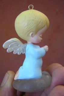 hallmark 1989 MARYS ANGELS BLUEBELL #2 CHRISTMAS ORNAMENT no box
