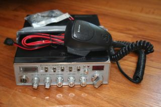 Cobra 148 NW St Night Watch Sound Tracker 40 Channel CB