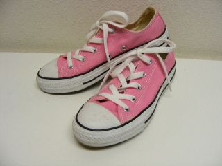 These Pink Converse All Star Shoes are in EXCELLENT condition