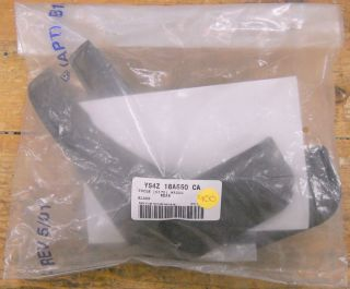 New Old Stock Ford Rear Moulded Mud Flaps 00 07 Focus Wagon   YS4Z