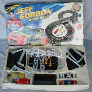 Tyco 1 43 Scale Jeff Gordon NASCAR Slot Car Road Racing