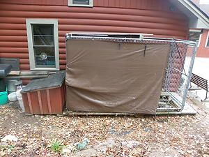Kennel with attached dog house Cedar Floor Insulated Dog House Large