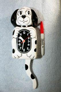 Retro Style Animated Dog Clock Eyes Tail Movement Works