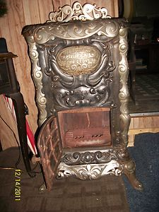 1903 Cast Iron Gas Parlor Stove, Queen Victor Gas Co.