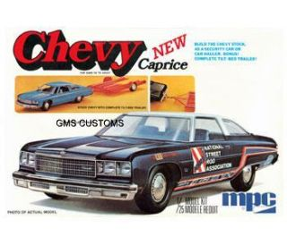 MPC 753 Model Kit 1976 Chevy Caprice with Trailer 1 25