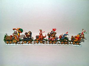Pooh Tigger Holiday Express Christmas Train Set Danbury Mint