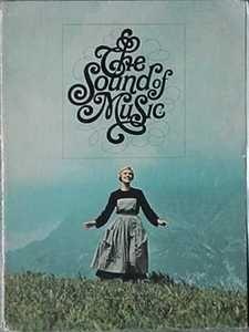 OF MUSIC (JULIE ANDREWS, CHRISTOPHER PLUMMER) 1965 MOVIE SOUVENIR BOOK