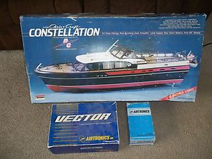CHRIS CRAFT CONSTELLATION 1 20 SCALE R C MODEL BOAT KIT RADIO CONTROL