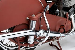 32 53 Indian Chief Motorcycle R Hiwaybar CHROMEIN86440C