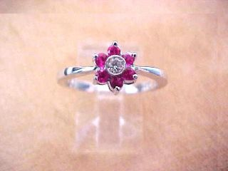 Solid White Gold apx 0 25ct Ruby apx 0 07 Diamond Closter Ring