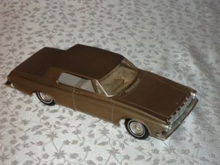 JOHAN PROMO MODEL CAR. 1963 DODGE POLARA 1/25 FRICTION FRONT WHEELS