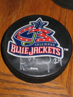 Hockey Puck Columbus Blue Jackets Autographed 29