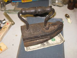 ANTIQUE CLOTHES IRON PRESS CAST STEEL AMERICAN PRIDE PIONEER FLAT