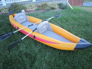 COLEMAN INFLATABLE KAYAK CANOE RAFTING 11 2 PERSON + 2 PADDLES