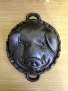 Vintage Cast Iron Pig Boar Head Mold Cake Cornbread Cheese