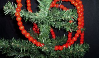 36 ft Wood Cranberry Bead Christmas Tree Garlands Red