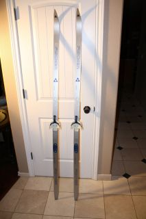 FISCHER CROWN BASE 750 CROSS COUNTRY SKIS WITH PINSO 3 PIN BINDING