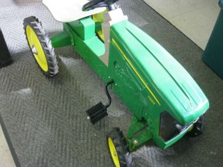 John Deere Pedal Tractor Model 7930