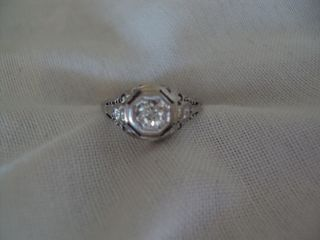 Deco Vintage White Gold Filigree Diamond Ring