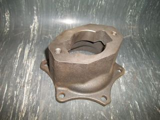 Detroit Diesel 5108954 Power Steering Pump Adaptor