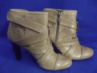 DKNYC Tan Caramel Leather Womens Shoes Size 9 5 Ankle Boots Heels