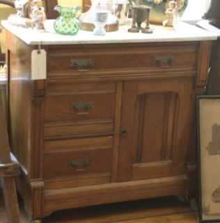 Victorian Eastlake carved walnut bedroom set dressers mirror table bed