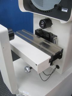 2004 Micro Vu Spectra 14 Precision Optical Comparator DRO