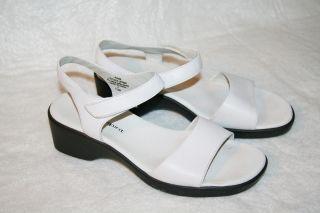Easy Spirit Ladies White Leather Sandals 7 5M