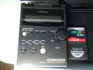 roland edirol r 1 24 bit mp3 wav portable recorder