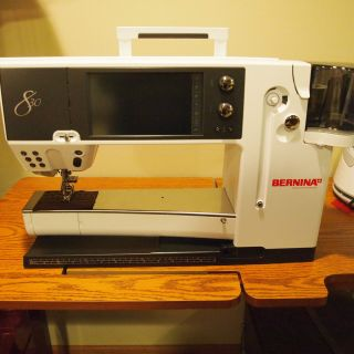 Bernina 830 Sewing & Embroidery Machine   Slightly used   807625 Total