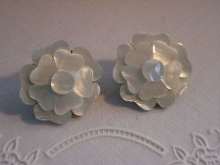 1970s Mother of Pearl Flower Earrings Hypo Allergenic Posts