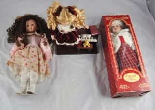 Porcelain Dolls Emerald Doll Collection with Piano in Box O4G15