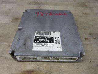 96 04 Toyota Tacoma ECU Engine Control Unit 2WD Auto 2RZ FE 89661 0431