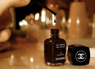 CHANEL LE VERNISE NAIL COLOUR 18 ROUGE NOIR made in France