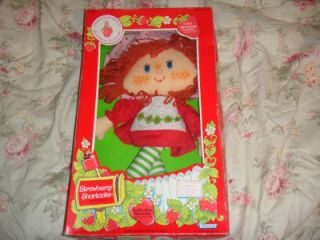 NIB KENNER STRAWBERRY SHORTCAKE RAG DOLL 1980S VINTAGE UNOPENED NICE!