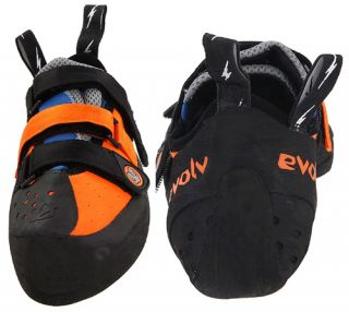 Designed by Chris Sharma, this Evolv climbing shoe guarantees a great