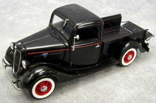 Danbury Mint 1935 Ford Pickup Truck Blue Black 1 24 Die Cast VGC in