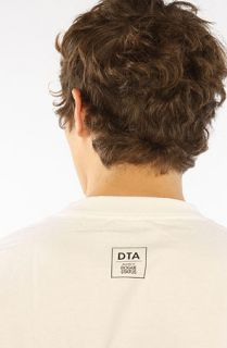 DTA   Rogue Status The LDN Riot Tee in White Black