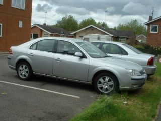 SILVER FORD MONDEO GHIA DIESEL HATCHBACK CAR, 2006 55 PLATE FOR SPARES