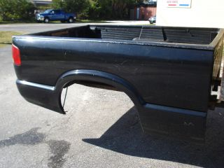 FLEET SIDE BED CHEVY S10 TRUCK GMC SONOMA BLACK 6 FOOT FITS 98 04