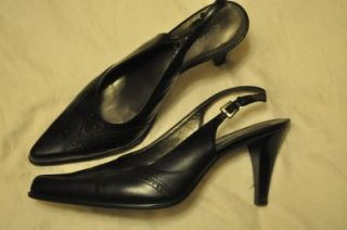 Great pair of womens size 7.5 m heels from Franco Sarto. Black leather
