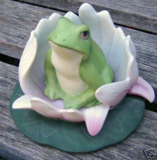 1984 Franklin Mint Porcelain Frog Lily Pad Flower
