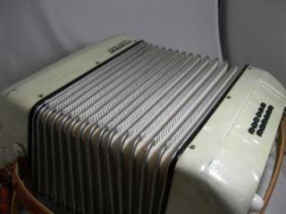 nice galanti 25 key piano accordion with case