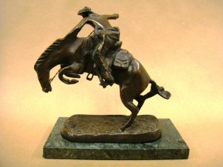 FREDERIC REMINGTON BRONCO BUSTER BRONZE SCULPTURE (VERY NICE)