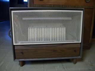 PRICE REDUCTION PREWAY NATURAL GAS SPACE/ROOM HEATER. MODEL# RUP 25